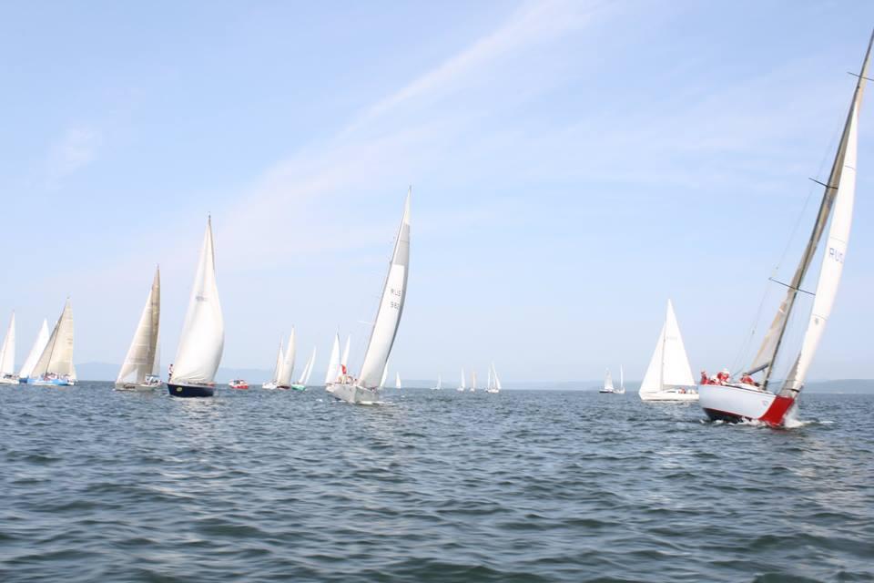 Яхт-клуб «Семь футов»