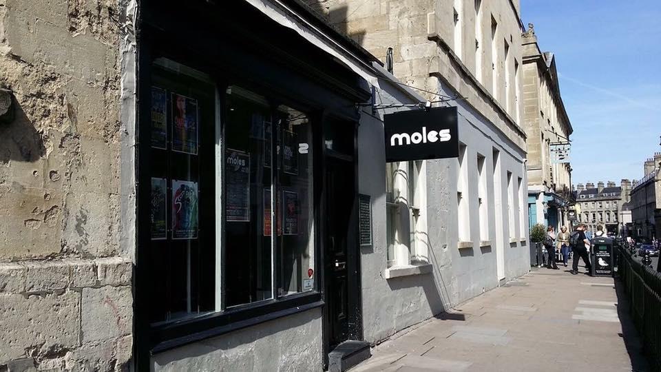 Клуб Moles
