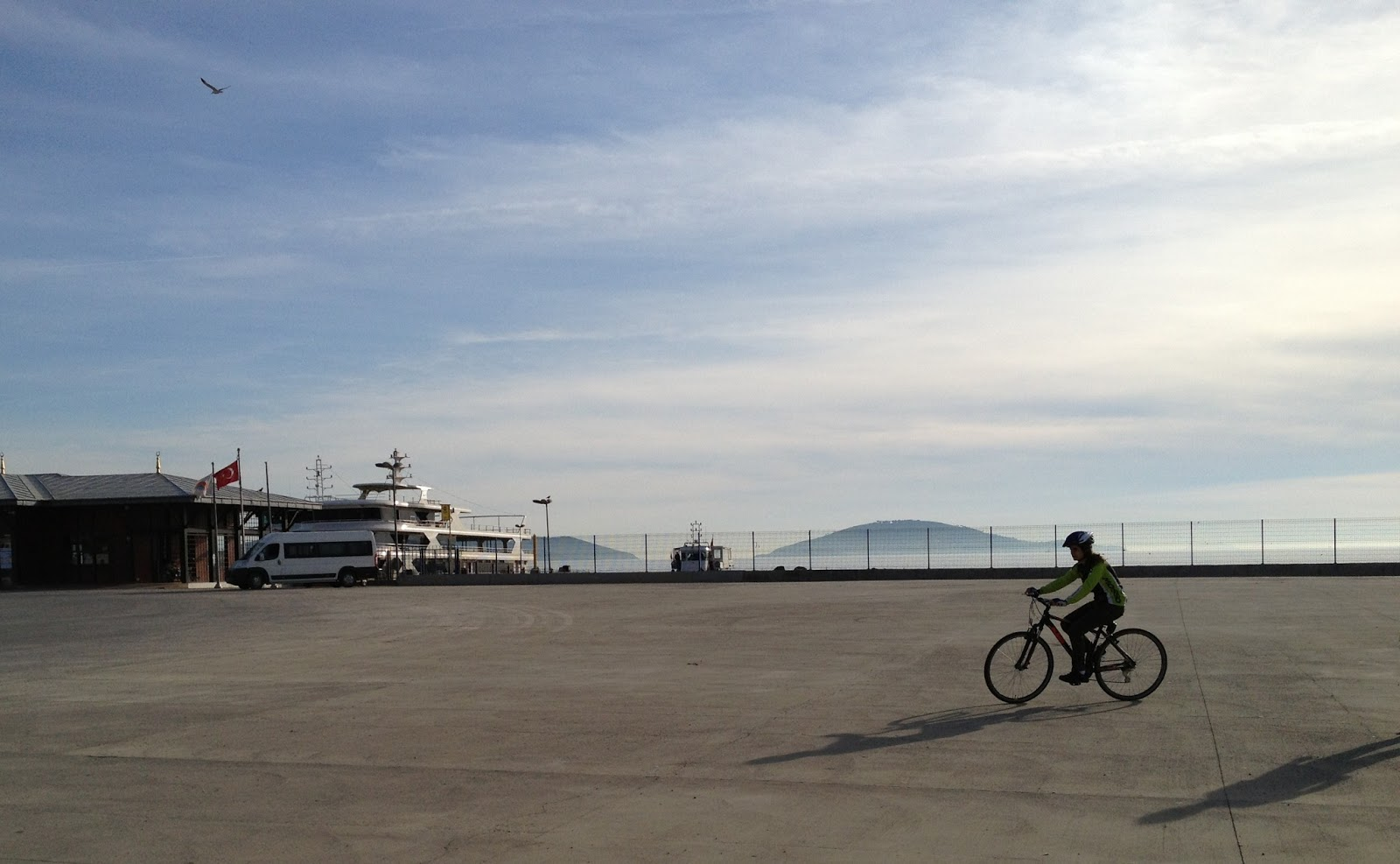 Велосипедная прогулка в Азиатской части города