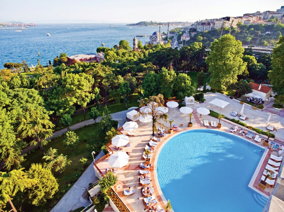 Бассейн Swissotel The Bosphorus