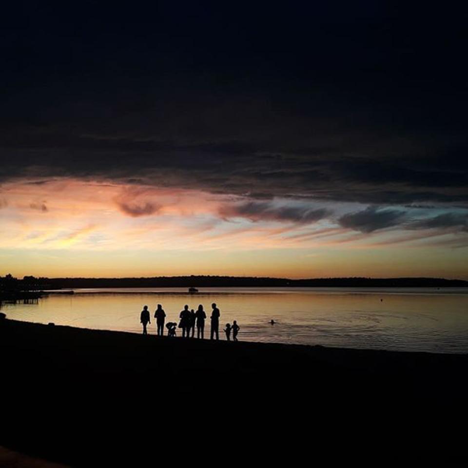 Пляж у озера Сенеж