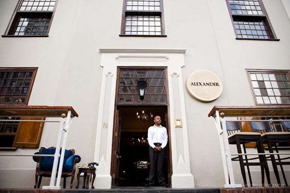 Alexander Bar and Café