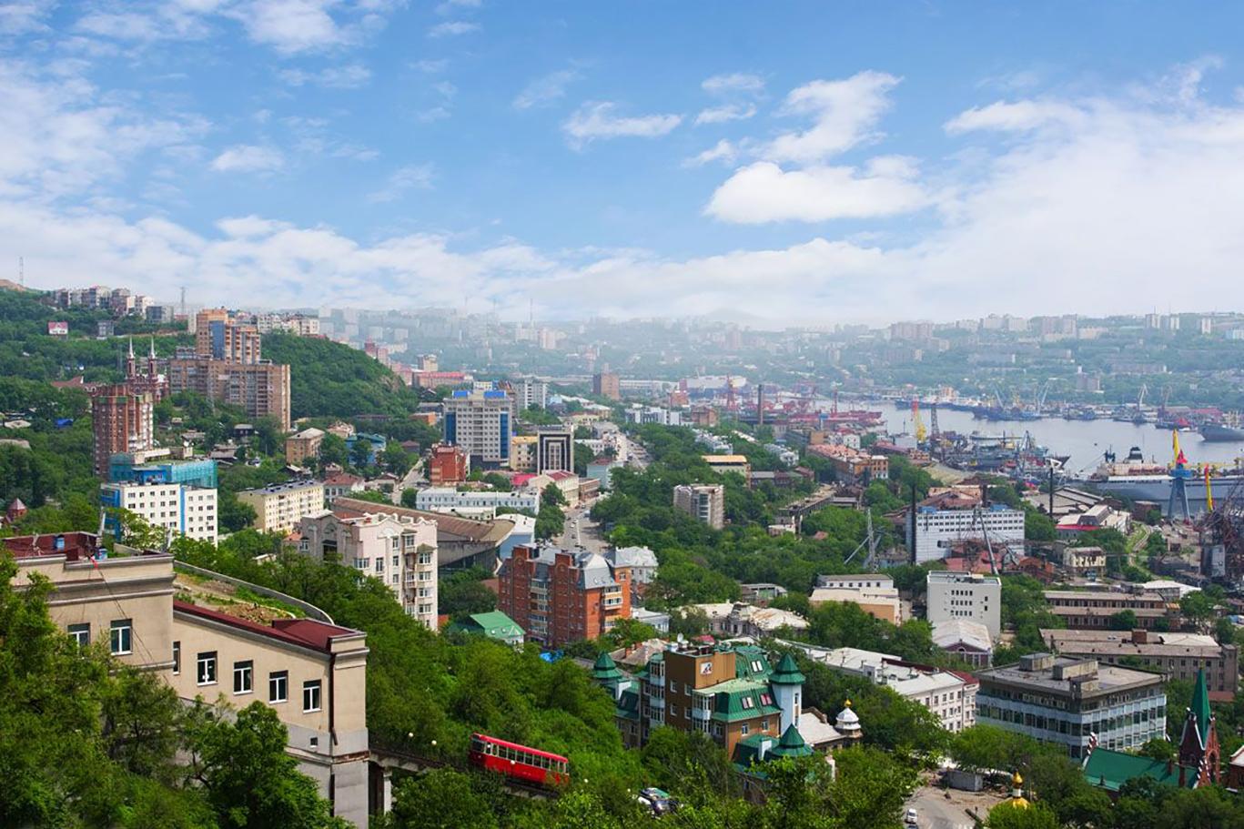 По центру Владивостока, как местный