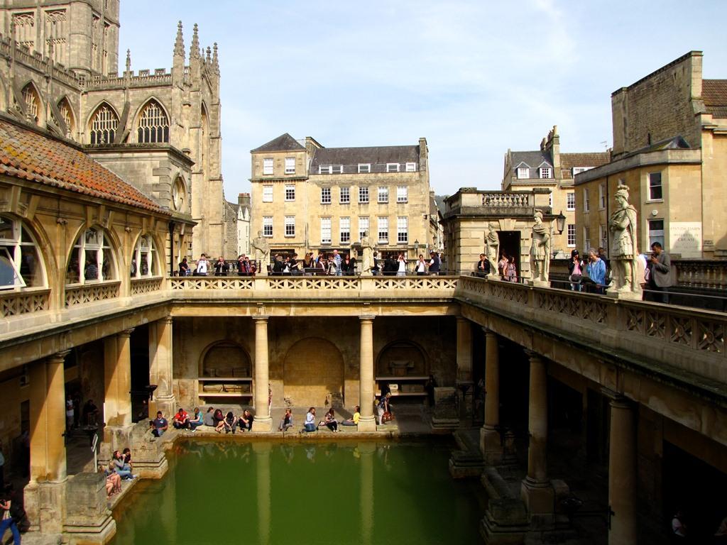 Римские бани в Бате (Roman baths)