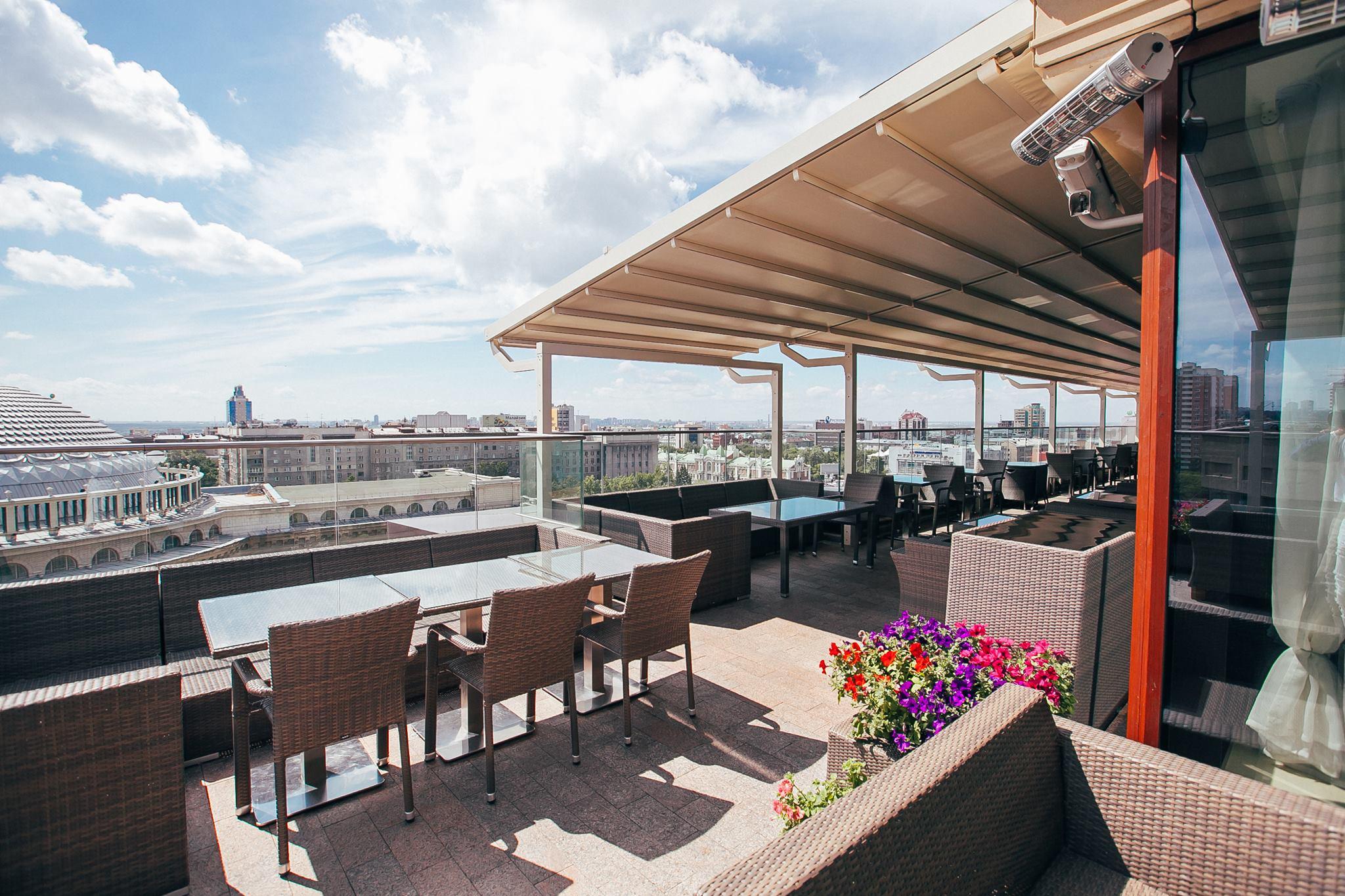 Bar & Terrace 10Ten