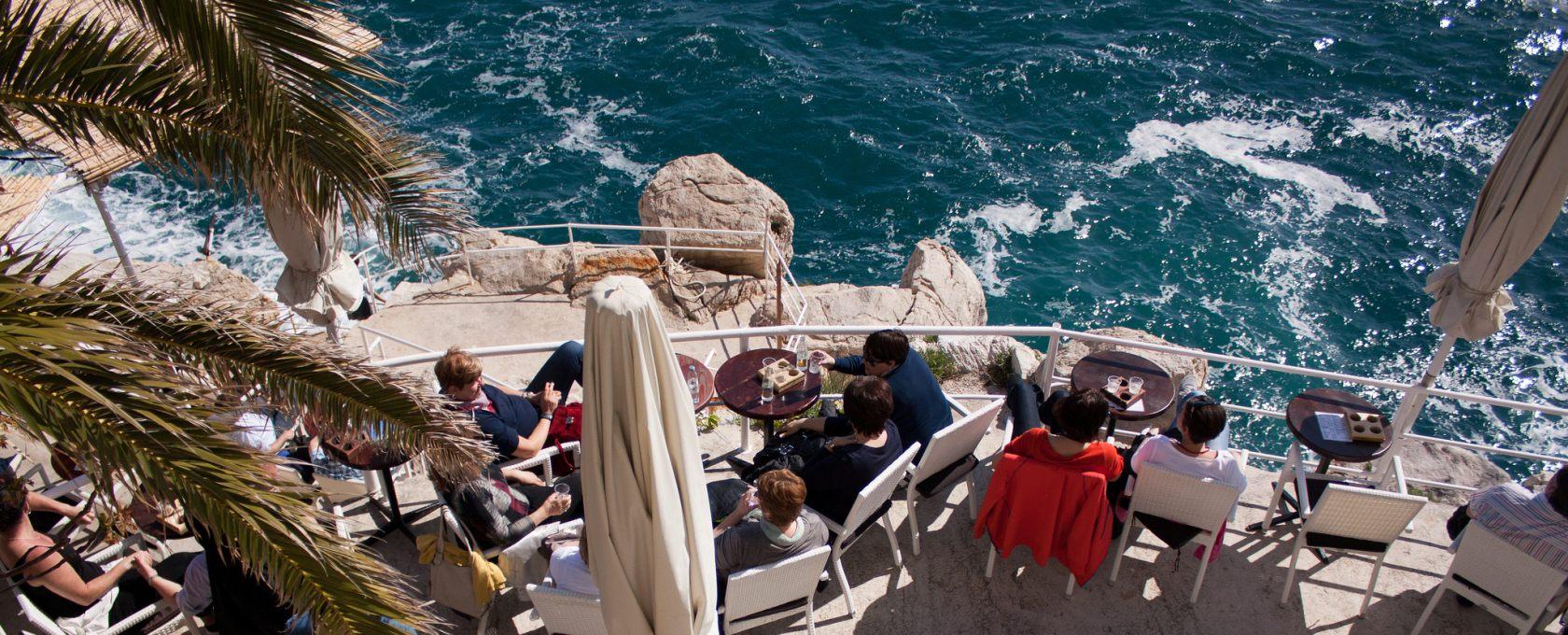 Вино, пляжи и мальки: бюджетный день в Дубровнике
