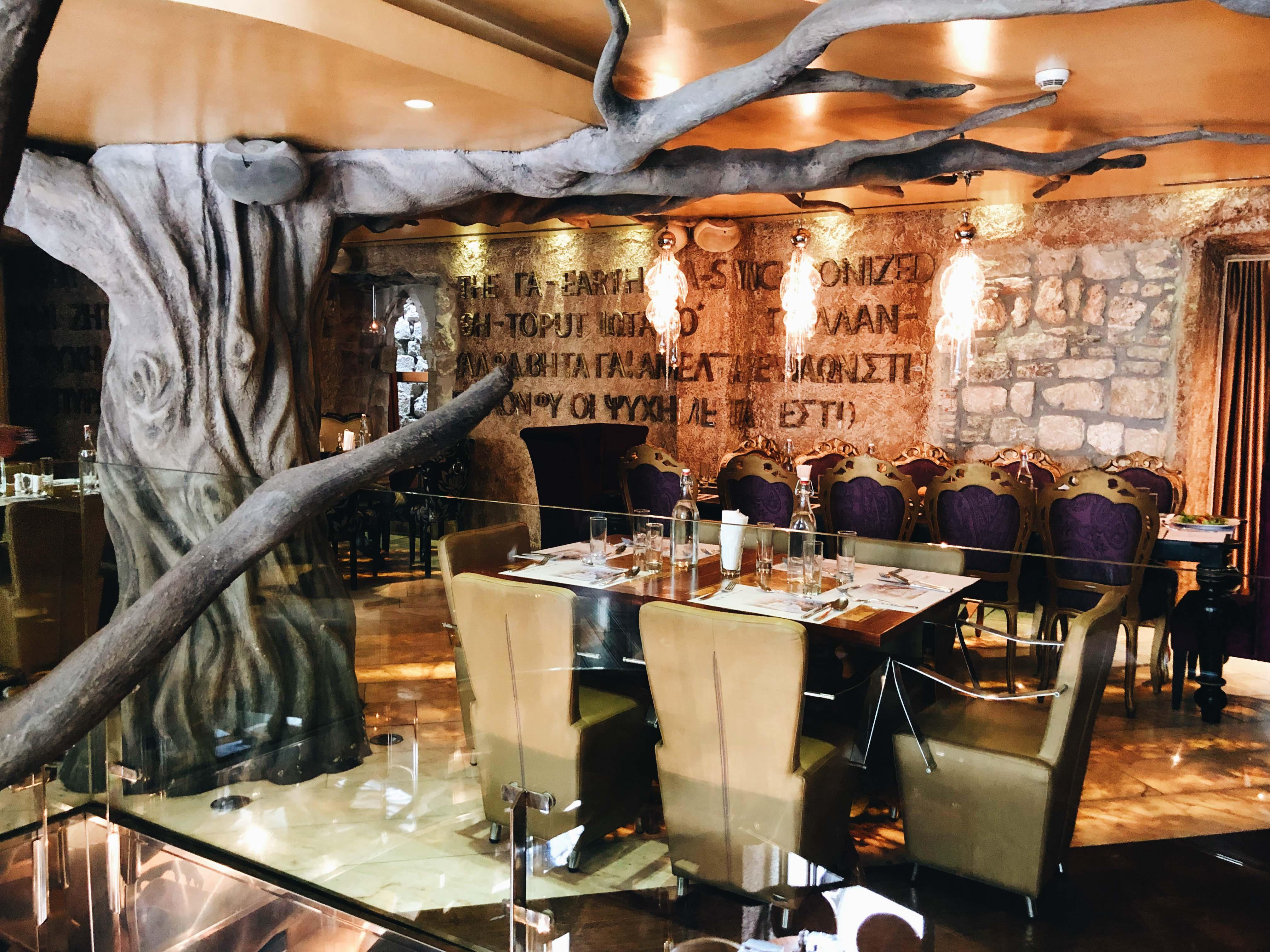 Ресторан Astoria в Которе