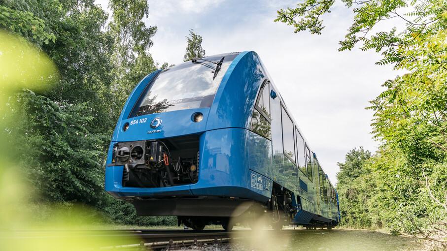 Во Франции запустили первый поезд на водородном топливе