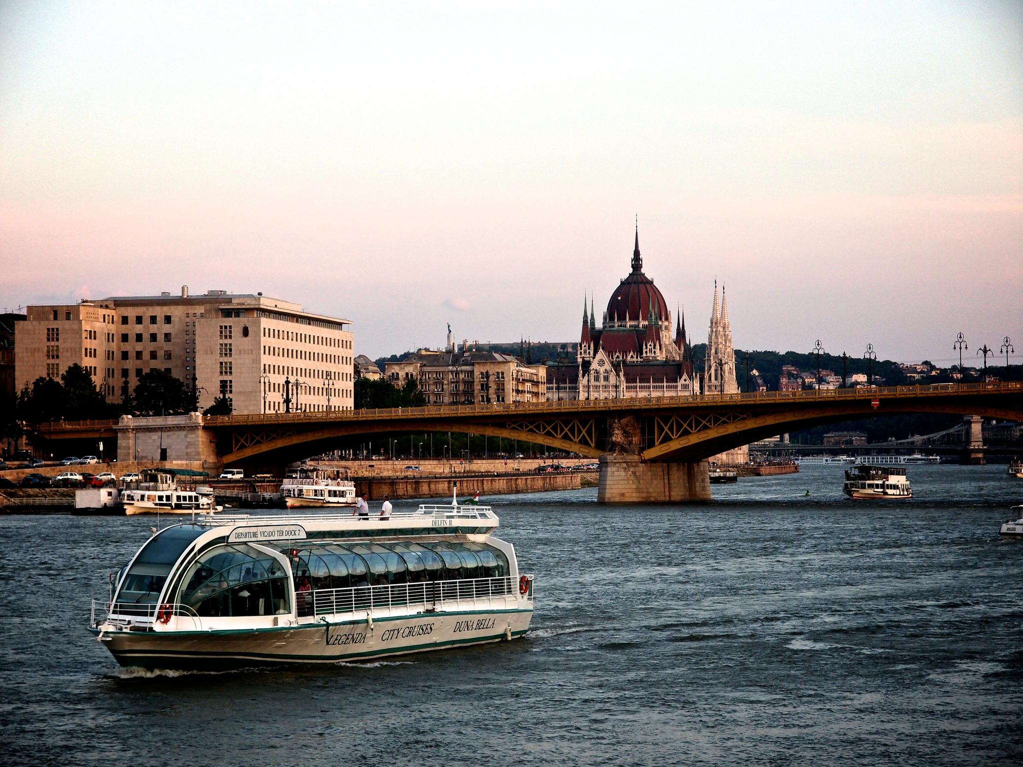 На речном трамвае по Дунаю