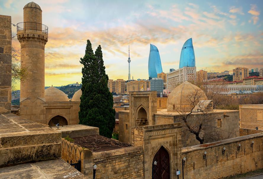 Азербайджан смягчает карантинные меры