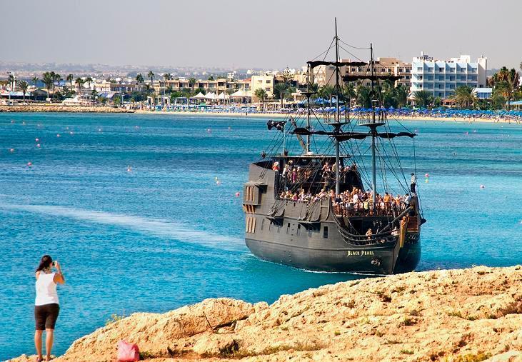 Пиратский корабль «The Black Pearl»