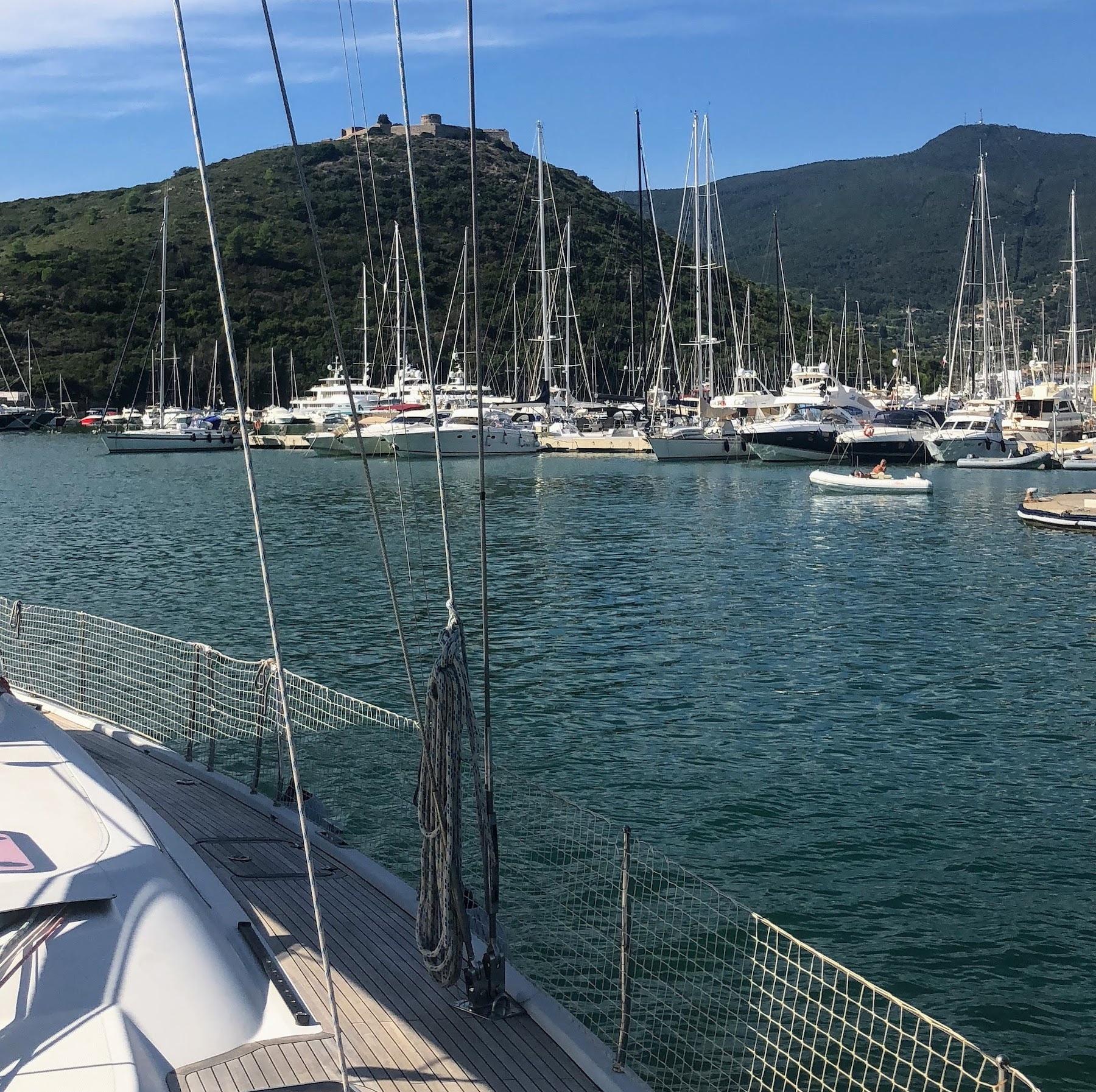 Марины Cala Galera и Porto Ercole