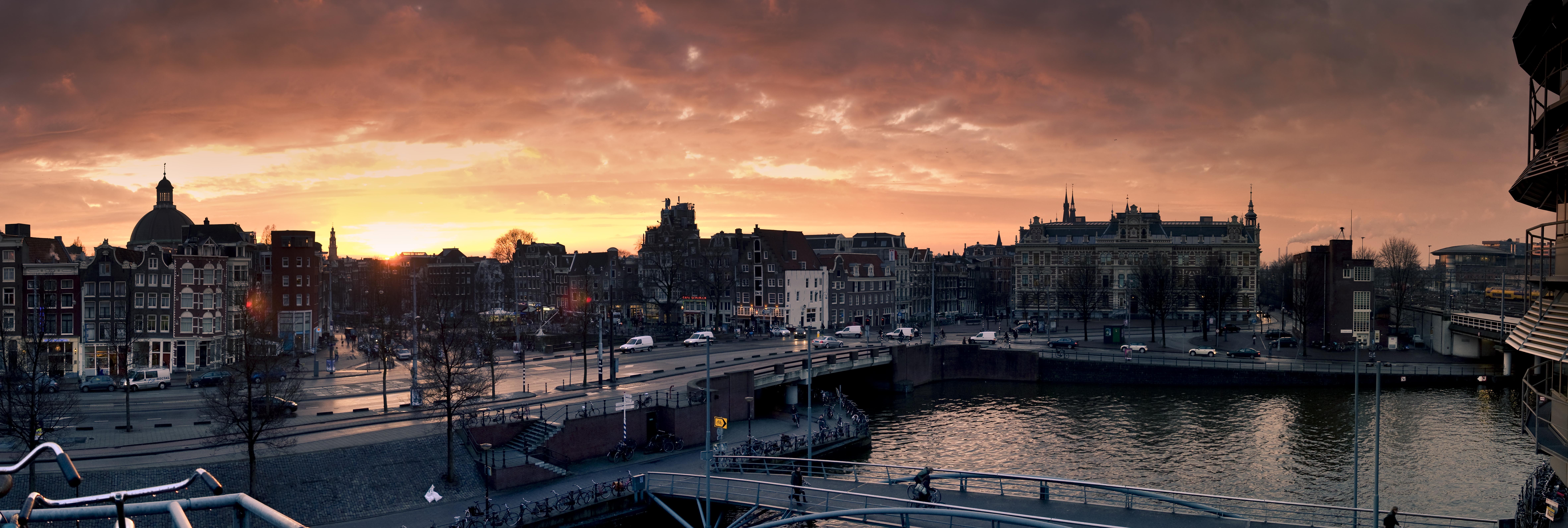 Амстердам по-королевски