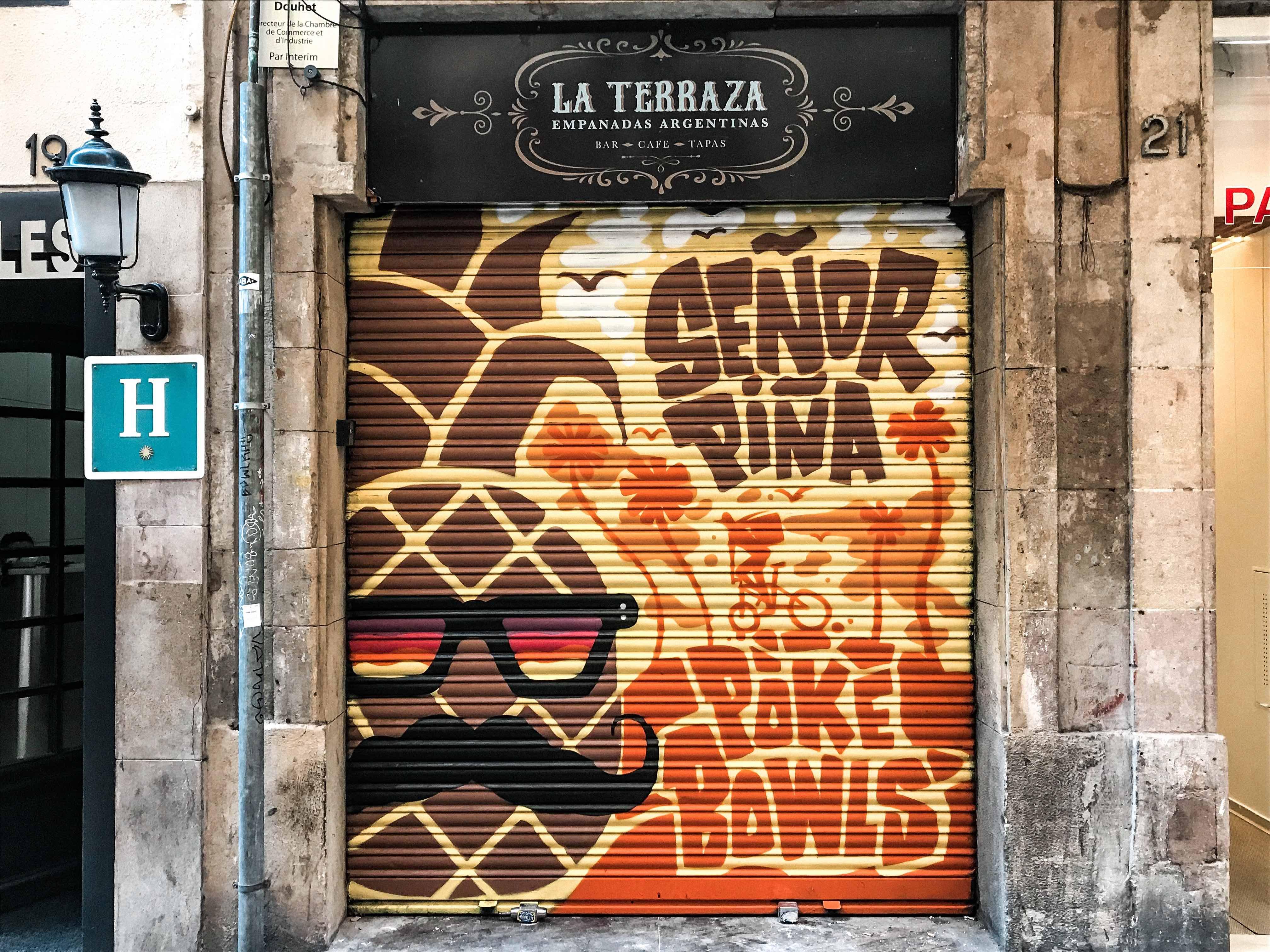 Граффити на баре La Terraza