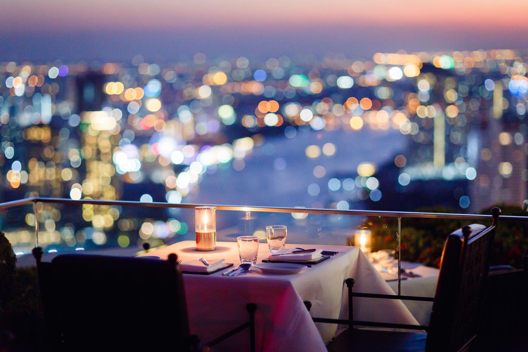 Ресторан Sirocco и бар Sky Bar