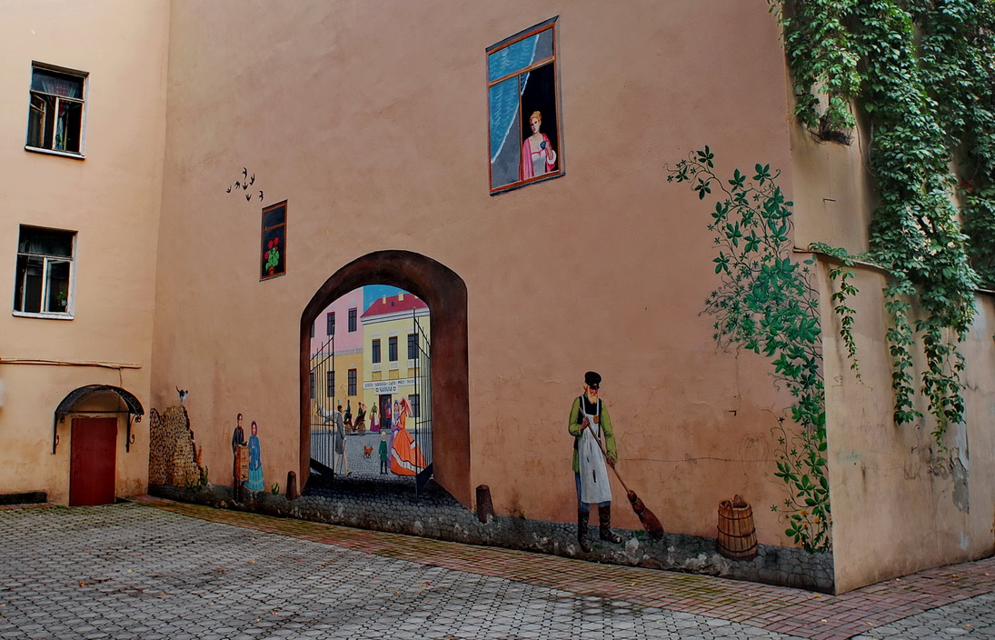 Исторические дворы на Гороховой улице