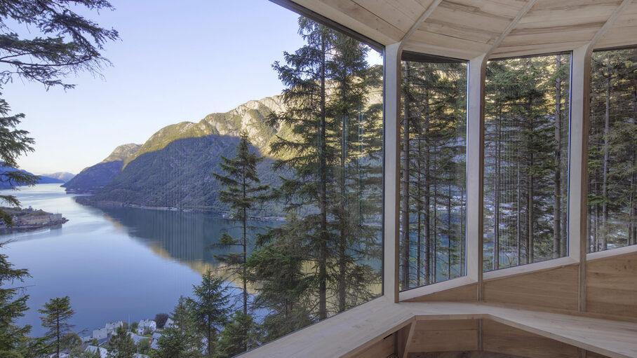 В Норвегии открыли отель на дереве