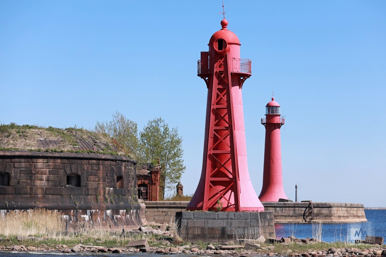 Нижний створный маяк