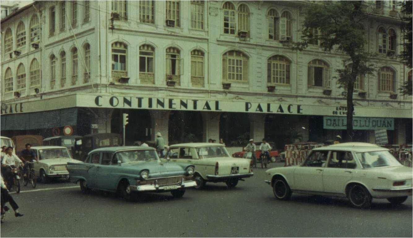 Бар отеля Continental Saigon