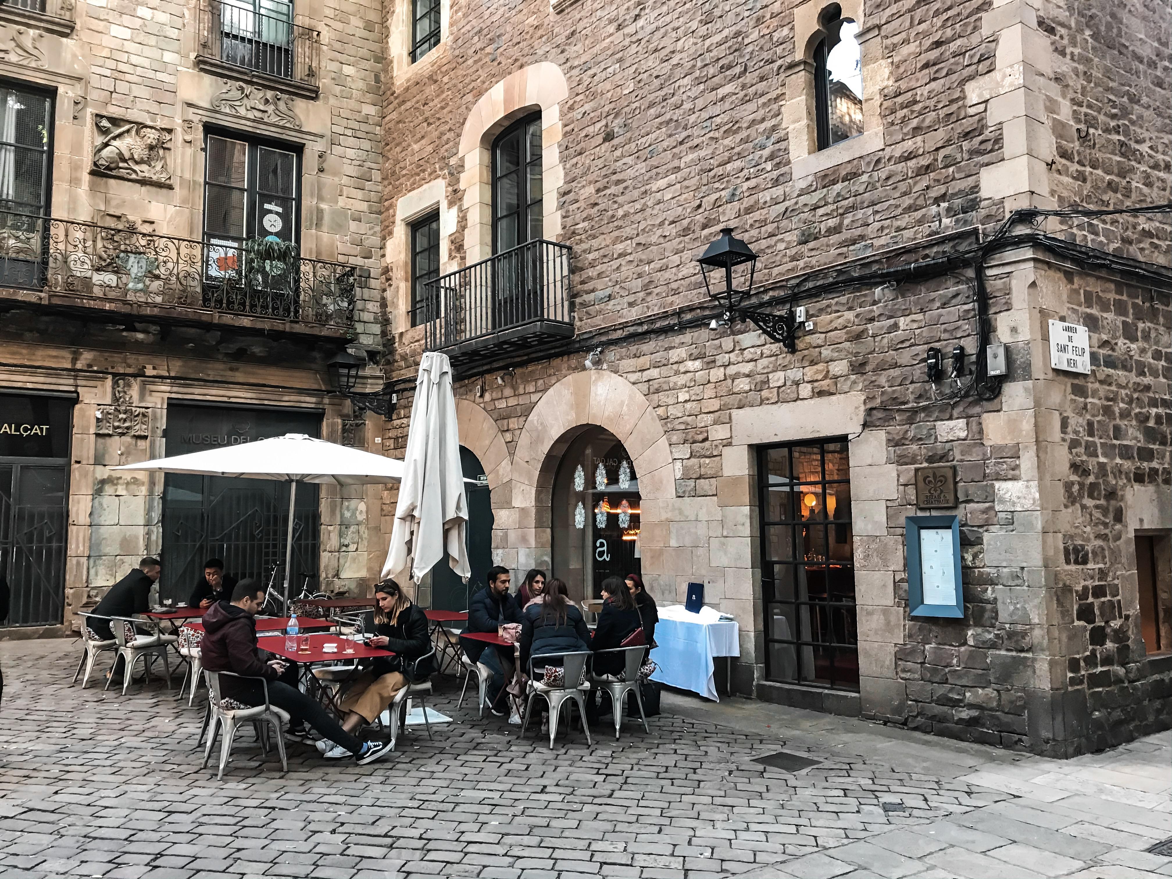 Ресторан на площади Neri