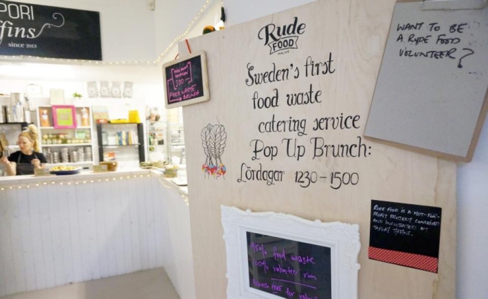 Обед в Rude Food, где готовят из съестных отходов