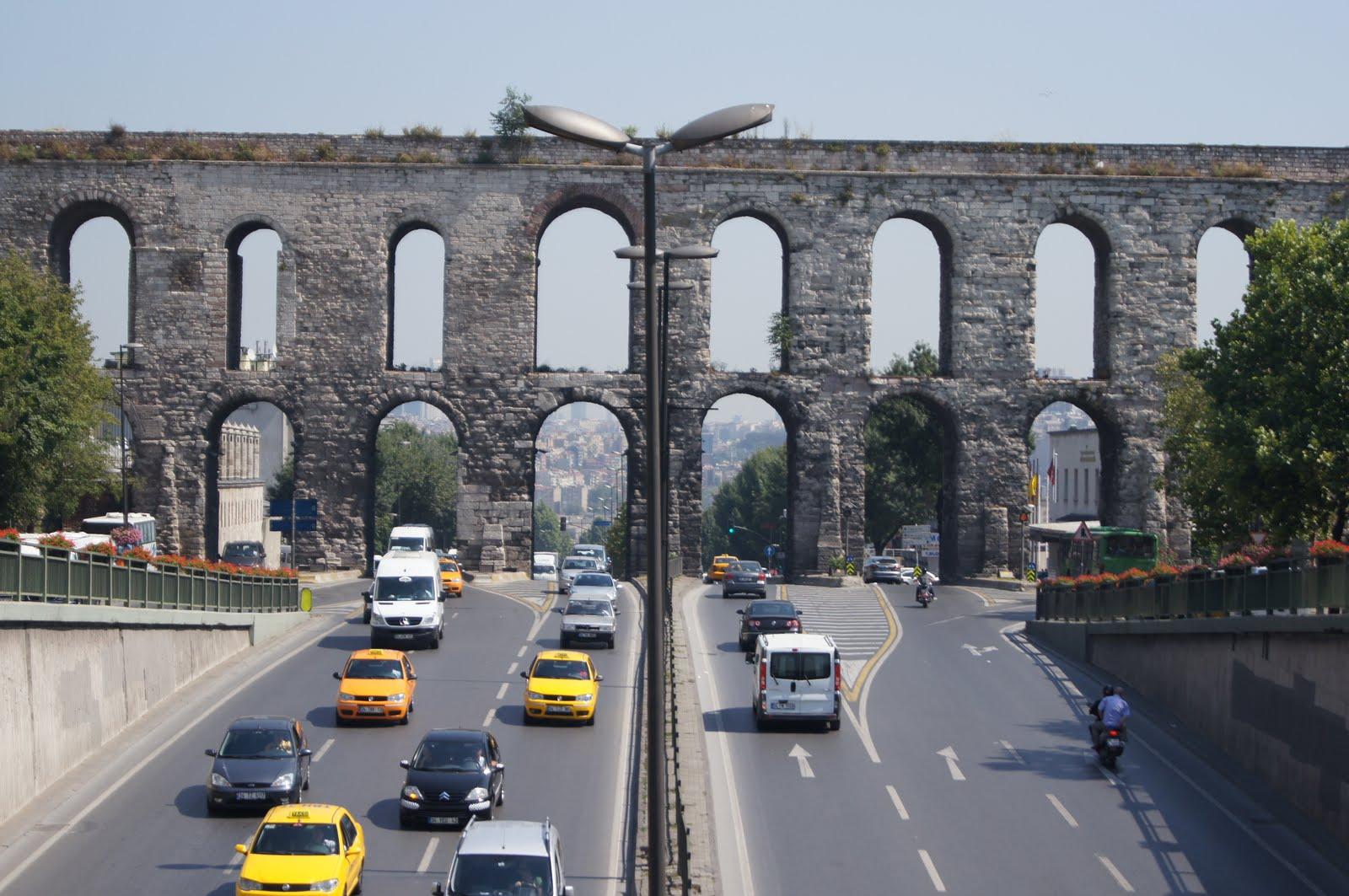 С первого взгляда: Стамбул из окна трамвая