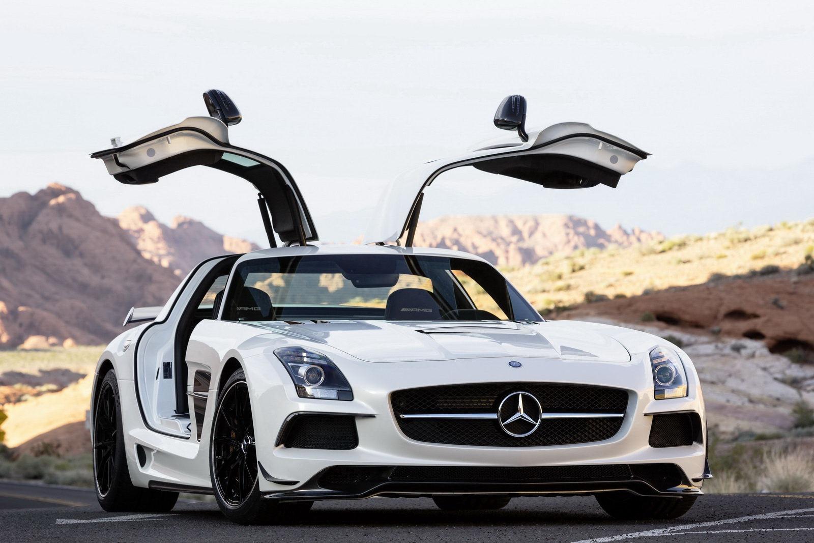 Mercedes SLS в Абу-Даби