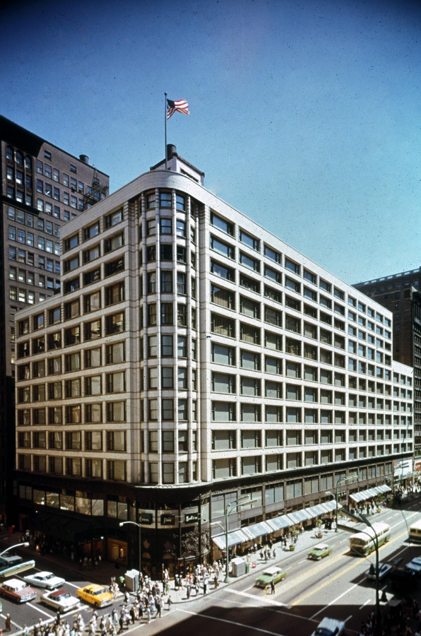 Carson Pirie Scott & Co Building (Sullivan Center)