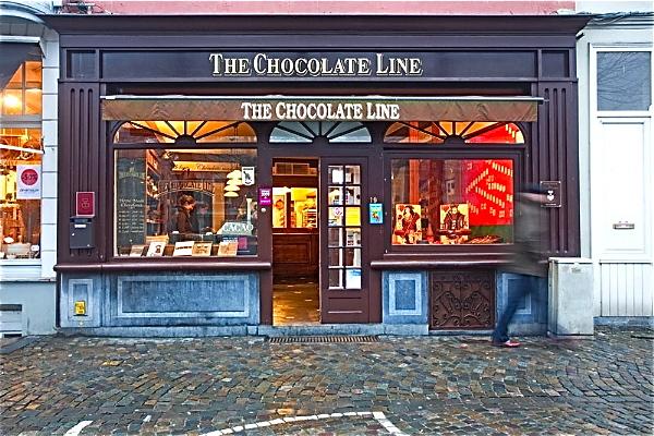 Купить шоколада для мамы в ретро-магазине