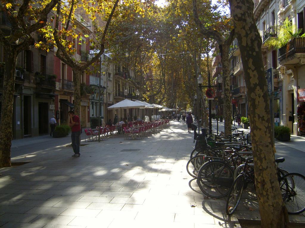 Новая Барселона: день в квартале Побленоу