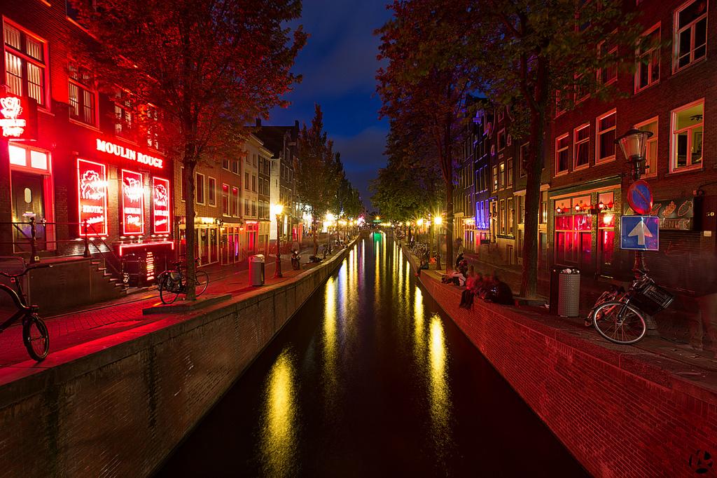 Уличная еда и велосипеды в Амстердаме