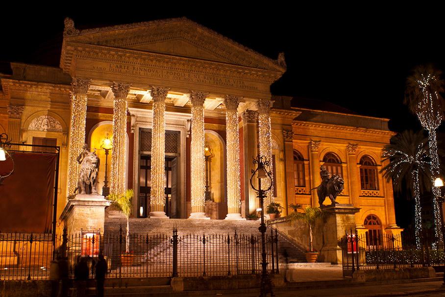 Трюфель, опера, огни. Интересные события в Италии и Испании